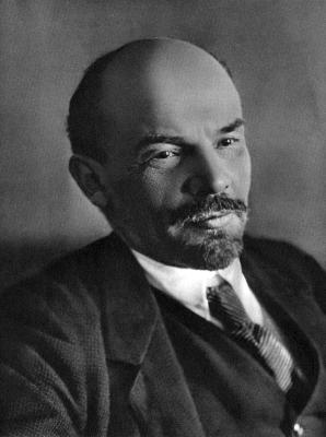 В. И. Ленин 1918 г., январь. Петроград (Смольный). height=400