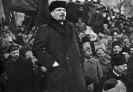 В.И.Ленин произносит речь на похоронах Я.М.Свердлова
