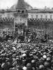 Ленин В.И. произносит речь с трибуны в день праздника 1 Мая