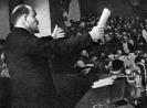 В.И.Ленин выступает с докладом на заседании II конгресса Коминтерна
