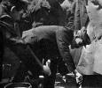 В.И.Ленин закладывает первый камень в основание памятника К.Марксу