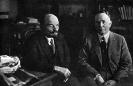 В.И.Ленин в своём кабинете в Кремле беседует с американским экономистом Христенсеном