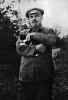 В.И.Ленин на прогулке в Горках